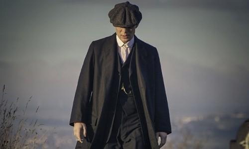 Peaky Blinders: Cillian Murphy (Tommy) pulls out his best menacing walk